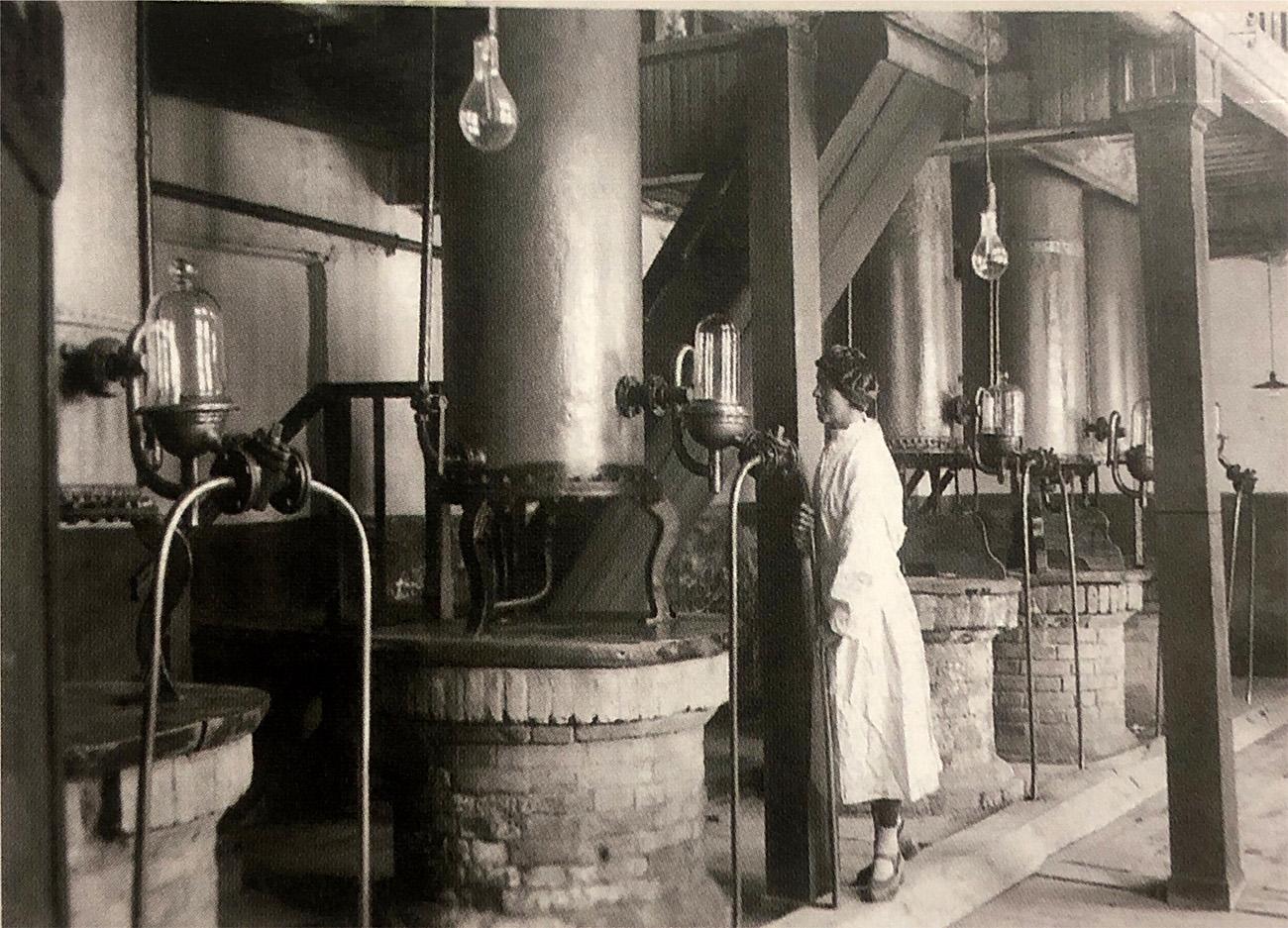 Кизлярскому коньячному заводу исполнилось 135 лет