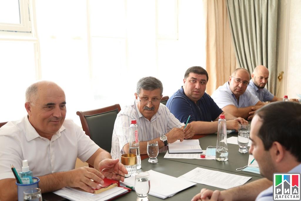 Предстоящую уборку винограда обсудили в Дагестане